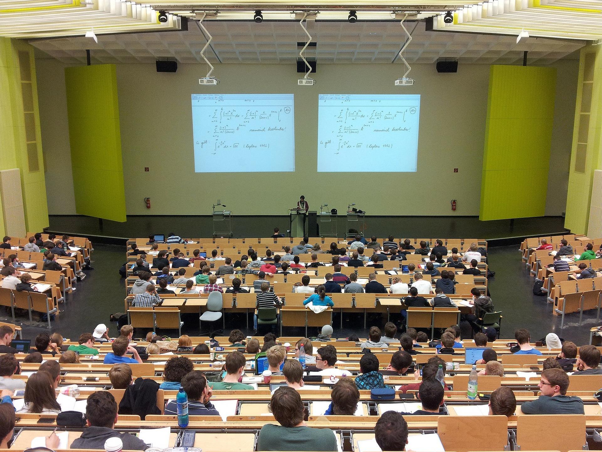 Conférence :  «Les déséquilibres d'un monde en grand péril»