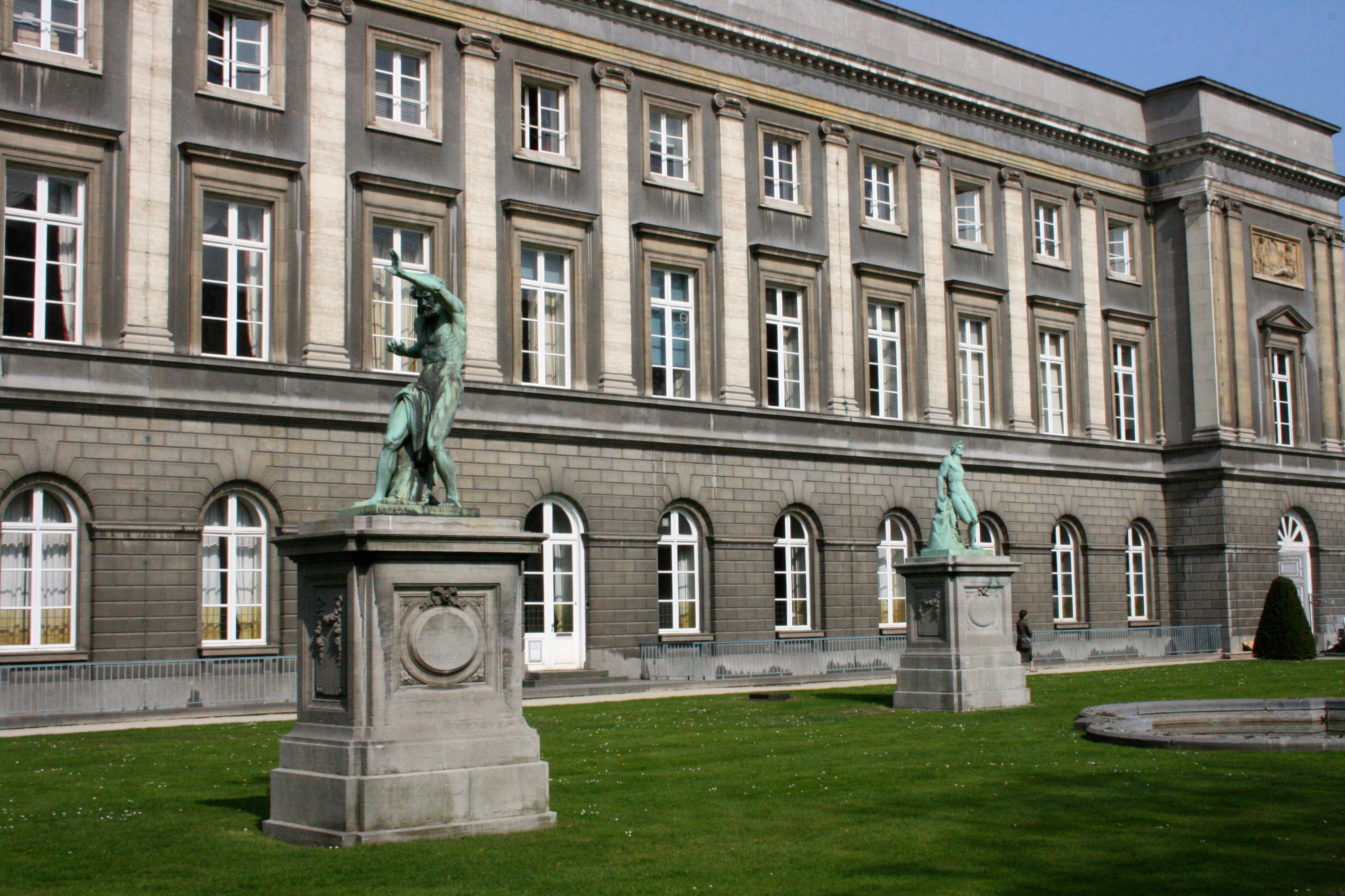 A la découverte du Palais des Académies