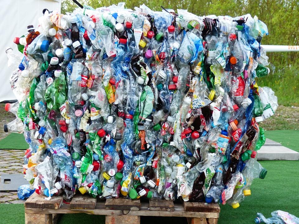 Stop aux plastiques à usage unique et non recyclables. La Ville peut montrer l'exemple!